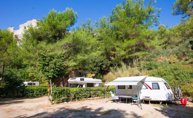 Camping La Vallée Heureuse, Orgon