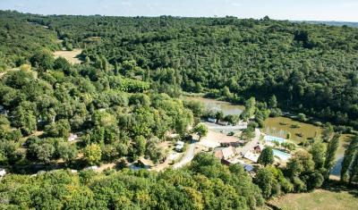 Camping Le Val D'Ussel, Proissans
