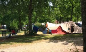Camping Au Bois Joli, Andryes