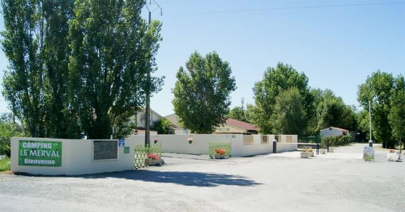Camping Le Merval, Puyravault