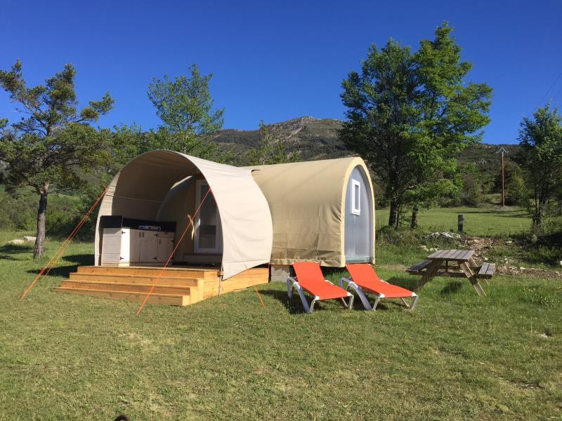 Camping Du Centre Naturiste Castillon De Provence, Castellane