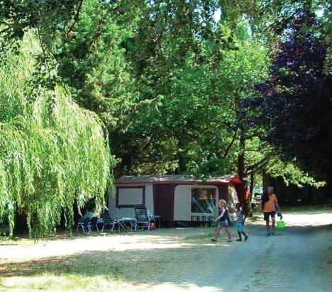 Camping Lou Baradeu, Cucuron