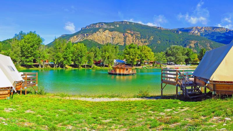 Camping Le Lac Bleu, Chatillon En Diois